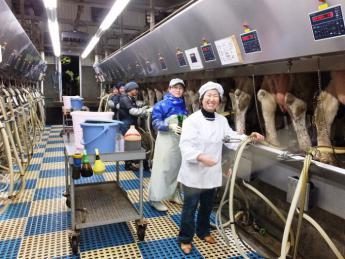 【正社員・短期アルバイト同時募集】脱サラしてスタートして1500頭超の規模に。未経験者が活躍できる牧場で酪農の面白さを見つけませんか?