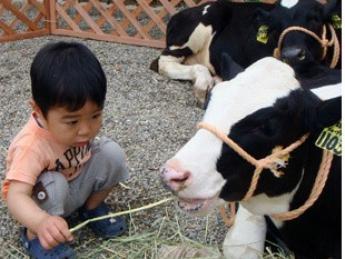 『生命、夢、笑顔のために・・・』 牛に感謝し、仲間に寄り添いながら、 立派な酪農家を目指して頑張りませんか?