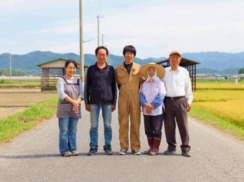 海に囲まれ暖かな気候の淡路島で農業を生業とし、島暮らしをしてみませんか?◎若手活躍中/年間休日105日◎