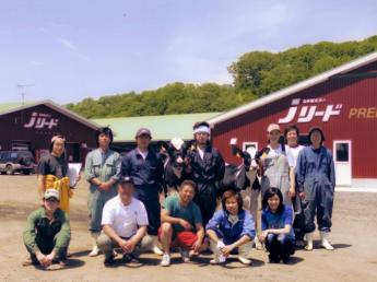 北海道発! 超近代的酪農経営を実践。日本の酪農をリードする「Jリード」で一緒に働きませんか?牛好きな仲間たちが温かくお迎えします♪