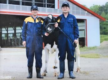 「仕事に追われない生活をしよう!」従業員にも牛にも良い環境を目指している規模拡大中の牧場です!!アットホームな牧場です★かわいい牛と犬が待ってます♪《月給25万円~》【正社員・パート・アルバイト同時募集】