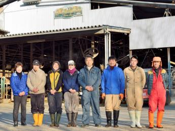 ★月8日休★地域に根差したアットホームな牧場です♪仕事の中にそれぞれの好きややりがいを見つけてを楽しんで働いています!《未経験者歓迎》