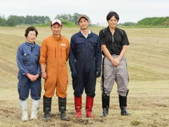 """コンセプトは""""魅力ある牧場づくり"""" 牛へたっぷり愛情を注ぎ、次世代に残る牧場を目指しています!"""