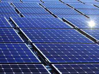 農業経験者募集! 新たに始めるソーラーシェアリング事業の中心となってご活躍いただける方を求めています! 日本が抱える食料自給率や耕作放棄地増加の課題に一緒に取り組んでいきませんか?
