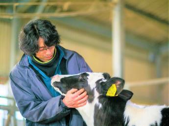 \全国でも最大級の農業法人の牛乳を一手に生産/ 食の安全安心にとことんこだわった会社です。 のどかな牧場で一緒に働きませんか?