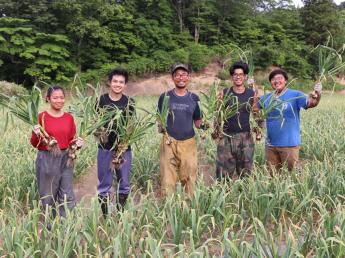 県外出身者も多く集まる農園!そのワケは・・ 安全で品質の良い作物を全国へ届けましょう!